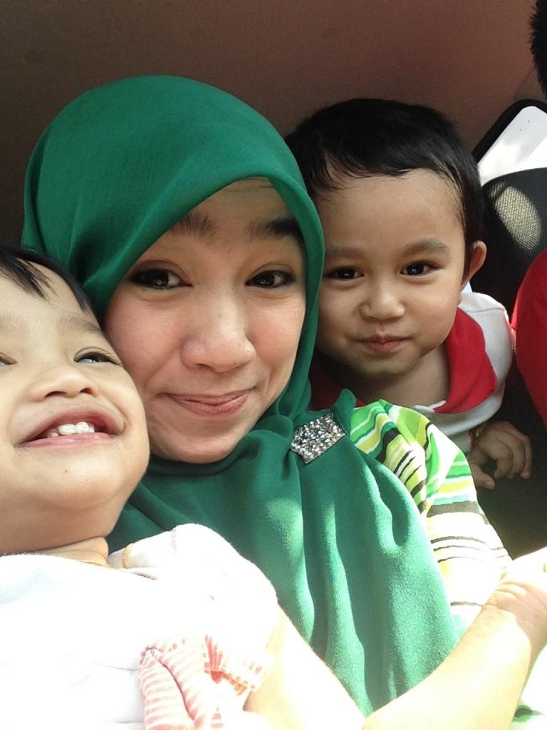 mama with kids